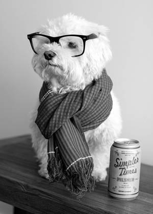 Imagen bonitas a blanco y negro usando gafas